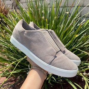 Vince Cantara Suede Elastic Slip On Sneaker Sz 10